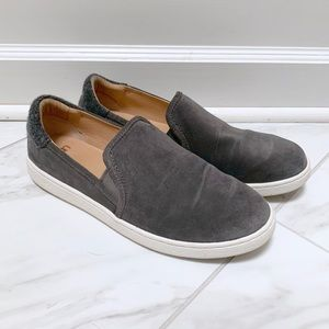 UGG 9.5M Slip On Gray Suede Loafer Sneakers